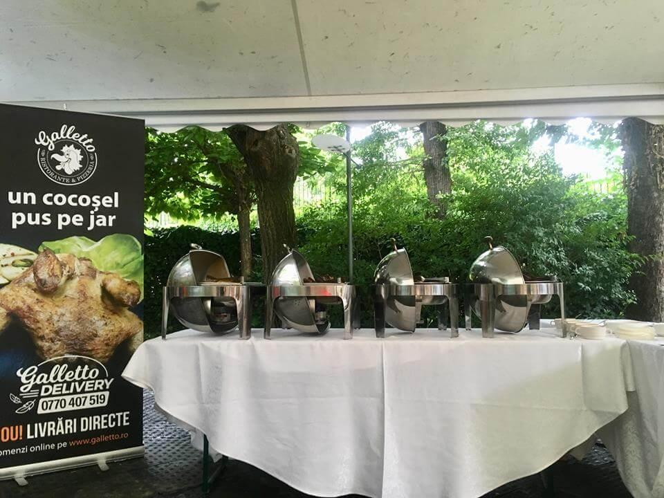 Catering la evenimente - Cocoșel rumenit pe jar - Restaurant Galletto